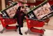 Cận cảnh dân Mỹ mua sắm điên cuồng ngày Black Friday